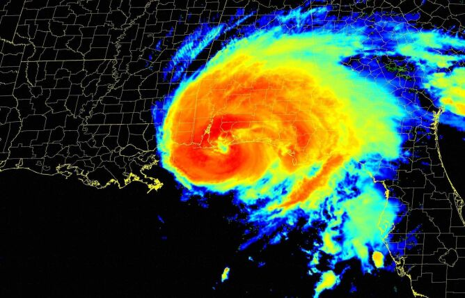 Sally na zdjęciu satelitarnym wykonanym w podczerwieni (NHC/NWS)
