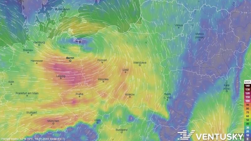 Porywy wiatru w czwartek wieczorem (ventusky.com)