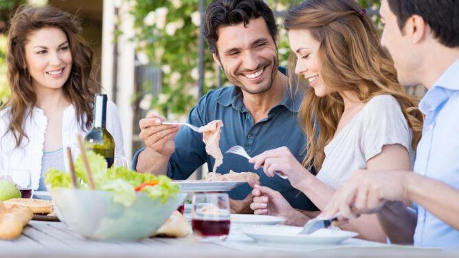 Kontrowersyjne wyniki badań.<br /> Wczesny obiad może pomóc w odchudzaniu