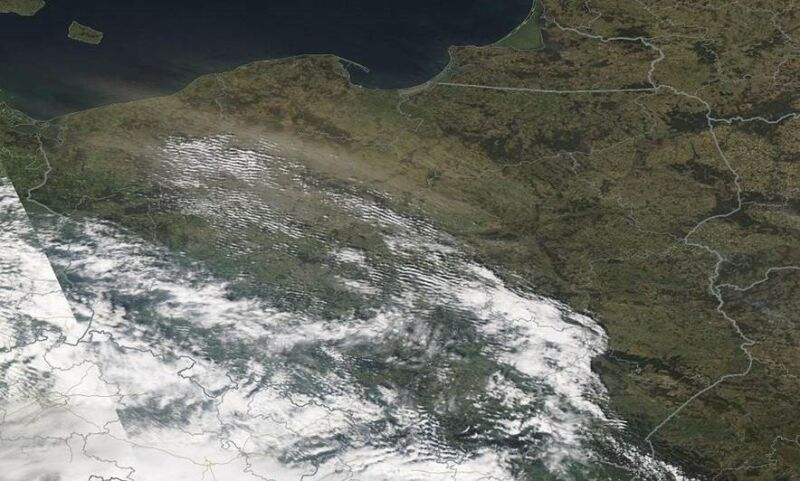 Wtorkowe zawieje pyłowe nad Polską widoczne na zdjęciach satelitarnych (NASA)